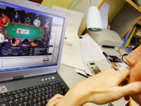 play-online-poker